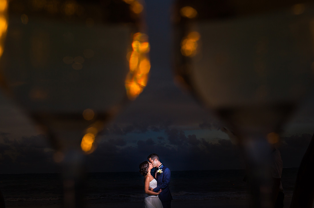bride and groom photo sessions cancun