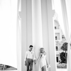 bride and groom photo sessions in mayan riviera