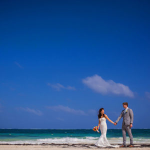 bride and groom photo sessions riviera maya beach