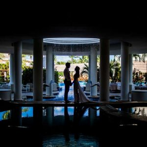 bride and groom wedding photo sessions cancun