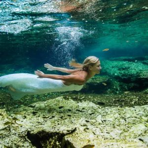 underwater trash the dress session in cenotes