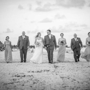 wedding photo sessions with bride and groom cancun