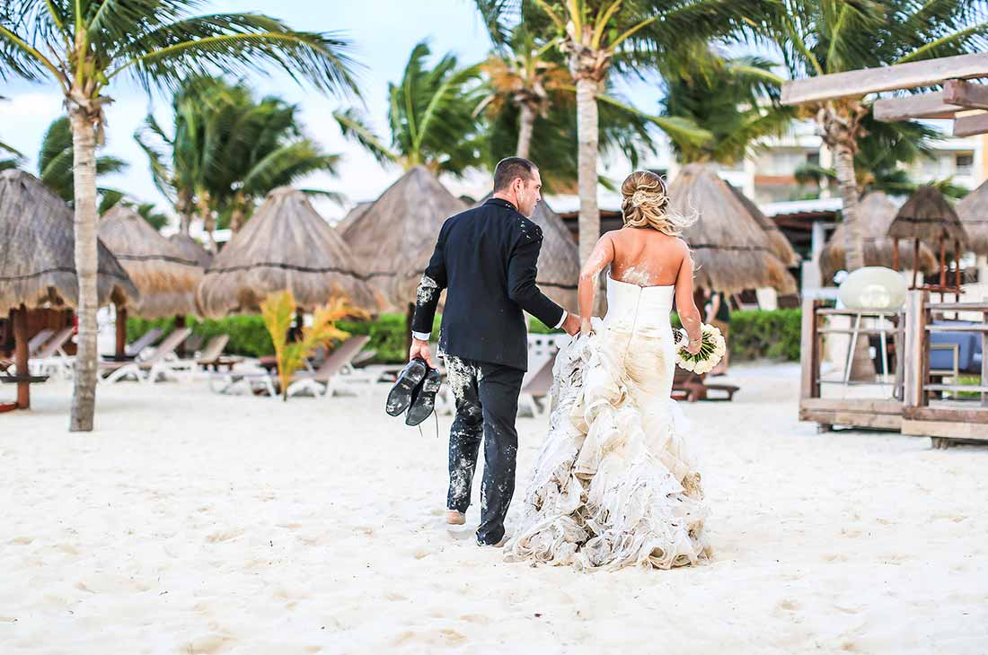 wedding photography trash the dress cancun beach