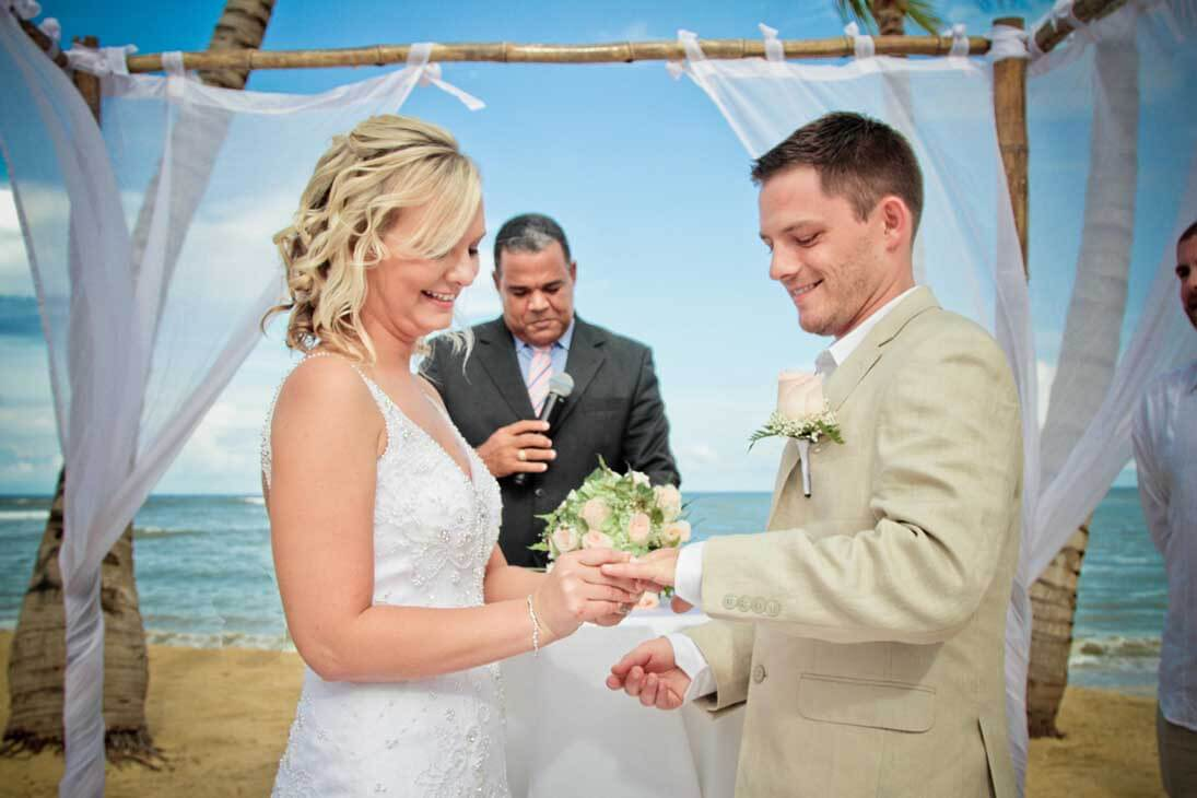 wedding photography ceremony giving rings